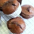 Muffins au chocolat bien gonflés