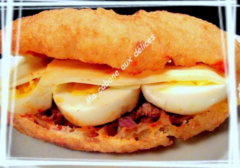Sfenj beignet sandwich façon pain bagnat ou fricassé