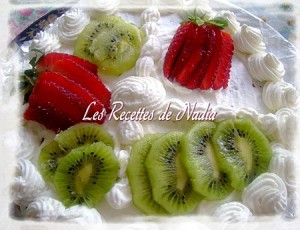 gateau genoise aux fruits et chantilly
