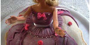 Gateau Barbie a la pâte d'amandes
