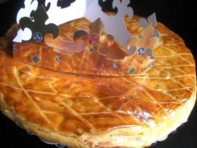 Galette des rois a la frangipane la cuisine de djouza for Decoration galette des rois frangipane