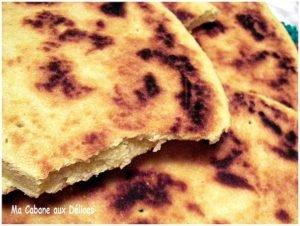 Aghroum galette de semoule kabyle