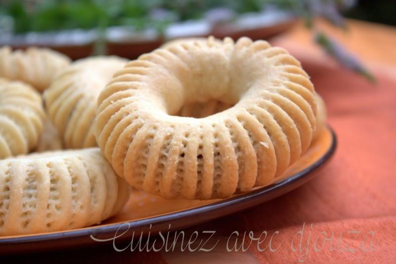 Kaak nakache gateau algerien la cuisine de djouza - Recette de cuisine algerienne facile ...