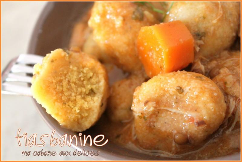 Recette kabyle boulette de semoule tiasbanine la for Recette kabyle tikourbabine