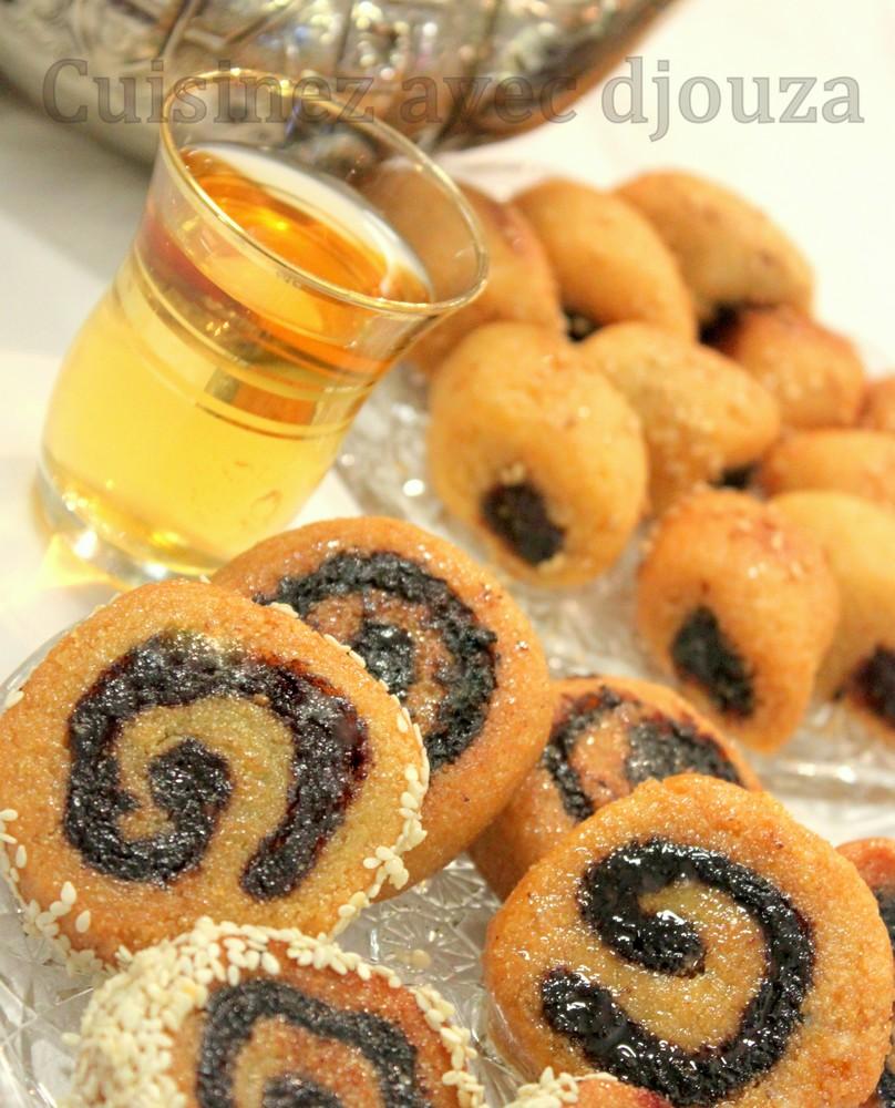des makrout avec la pâte de dattes en spirale