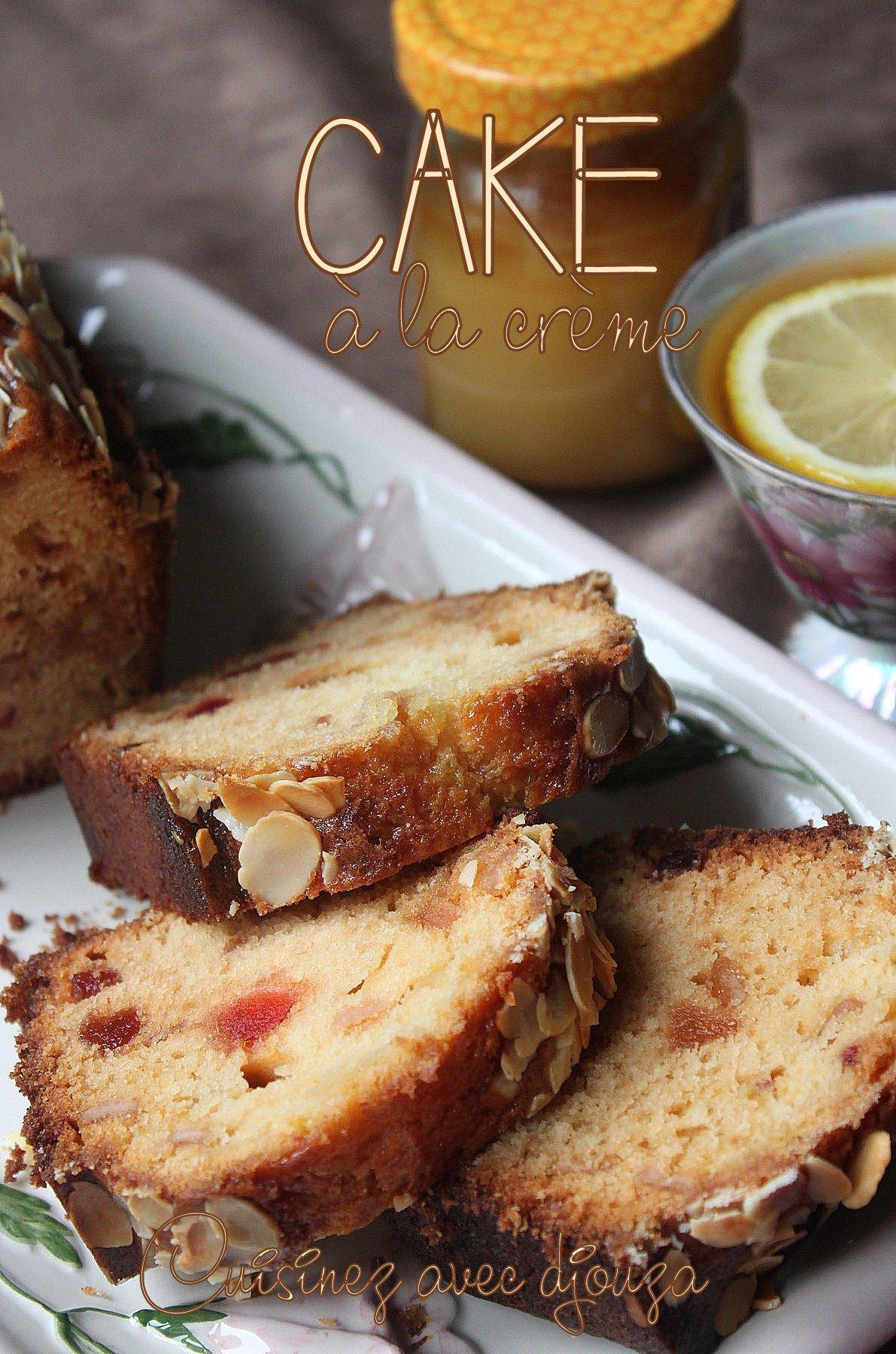 Cake avec crème fraîche et fruits confits