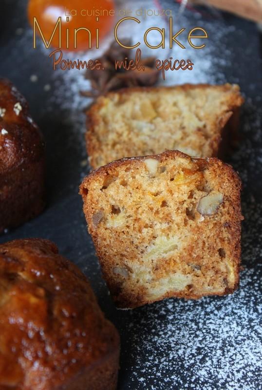 Petit cake aux pommes, noix et épices