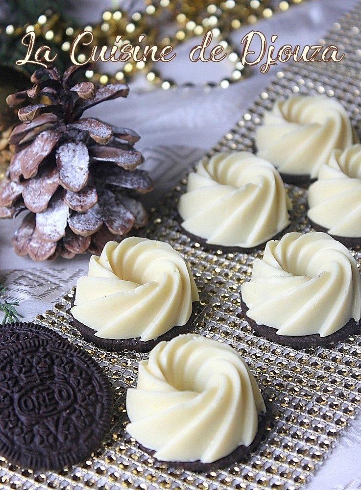 Mousse au chocolat au lait sur sa coque chocolat blanc et biscuit oreo