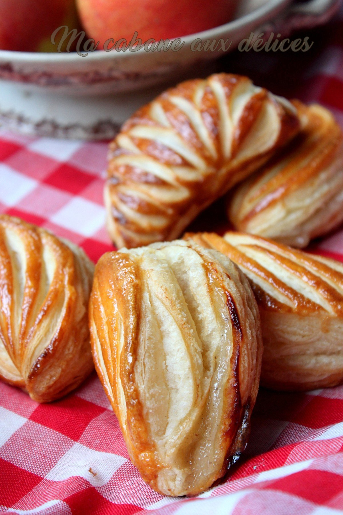 Chaussons aux pommes pâte feuilletée