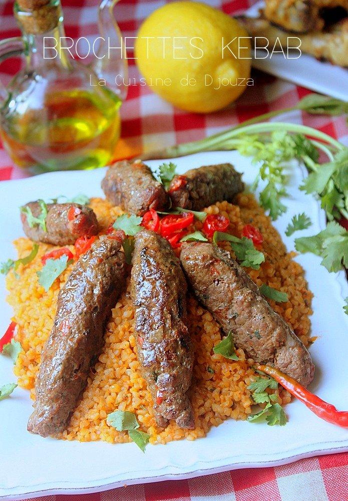 Brochettes de viande hachée kebab au barbecue