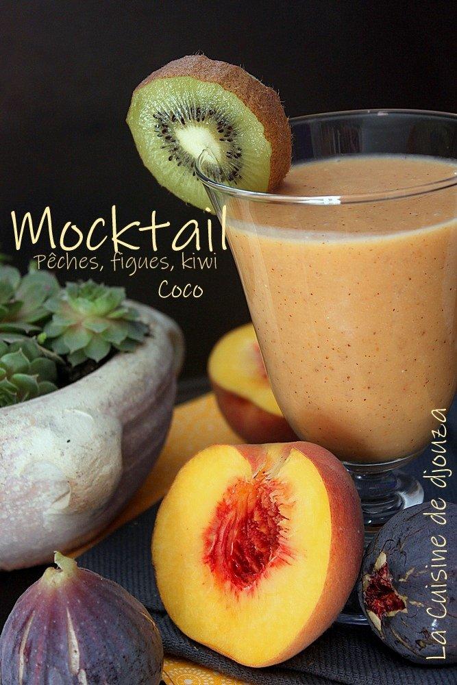 Mocktail de fruits frais sans alcool pêches figues kiwi et lait de coco