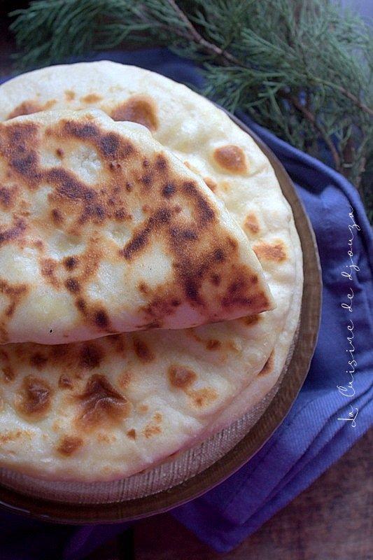 Pain au fromage à la poêle sans levure
