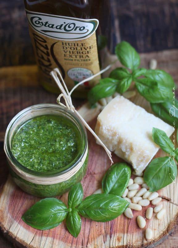 parmesan, ail, huile d'olive, pignons