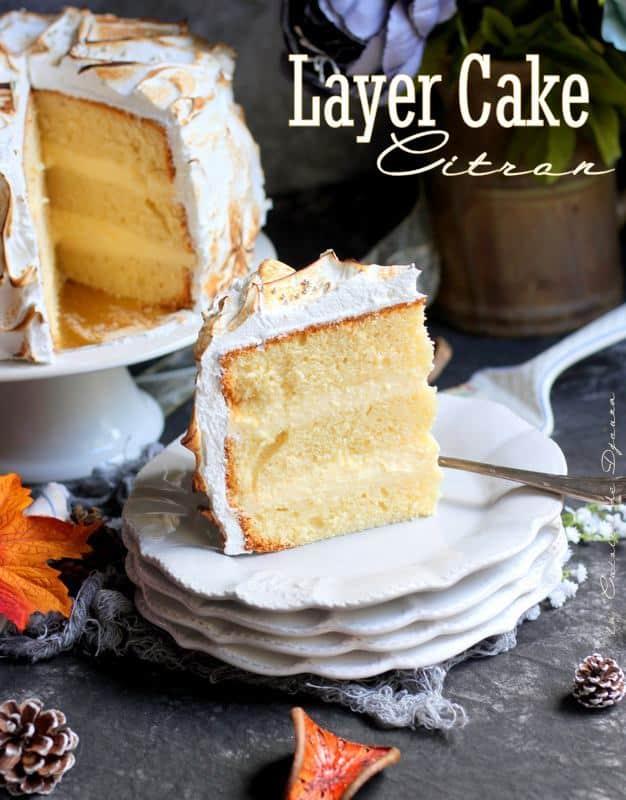 Coupe délicieuse du cake layer au citron meringué