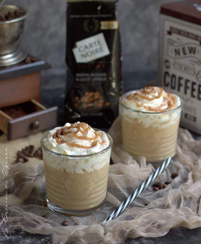 Macchiato caramel, boisson lactée au cafe