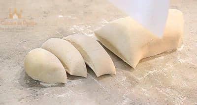 Divisez en pâton de 25 gr